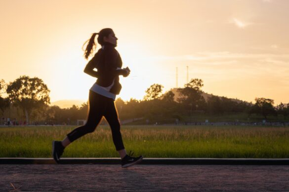 běžící slečna